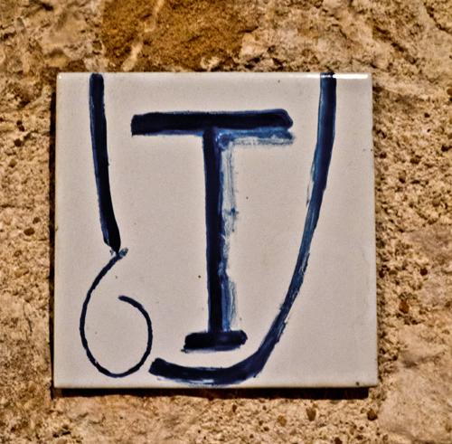 Copyright  2012 JMT