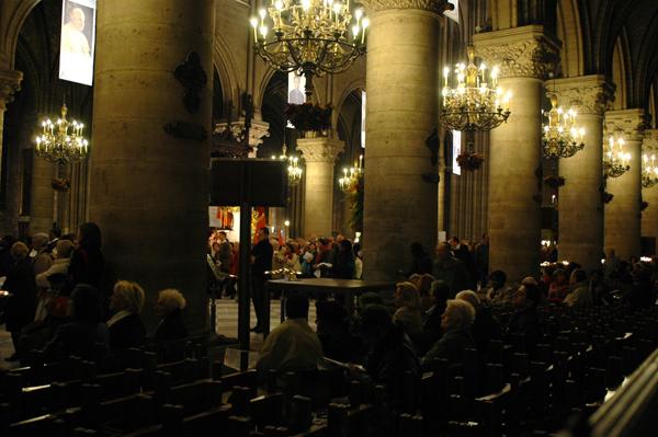 041101-Rassemblement-ND-Paris-010